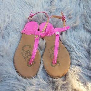 Circus by sam Edelman pink thong sandals size 4